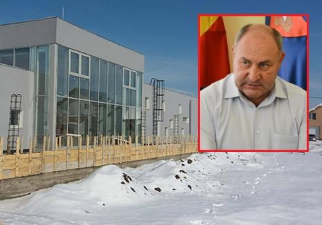 USR-iştii îl fac 'faraon' pe primarul din Sîntandrei, fiindcă a aprobat construirea unui gard de 85.000 euro pentru creşă