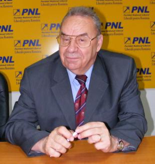 Andrei Marga laudă Universitatea Oradea, iar despre 'profesorul' Boc zice că-i 'necalificat' să conducă ţara