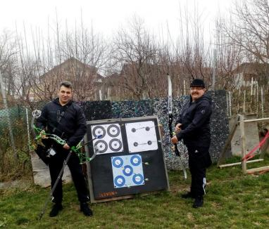 Şeful 'mascaţilor' din Poliţia Bihor reprezintă Oradea la Campionatul European indoor de Tir cu arcul (FOTO)