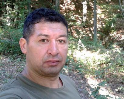 Pădurarul din Bihor împuşcat în cap la braconaj a murit. Autorul este anchetat pentru ucidere din culpă şi a fost dus la reconstituire