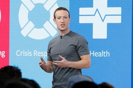 Scandalul scurgerilor de informaţii de la Facebook: Mark Zuckerberg recunoaşte că a greşit
