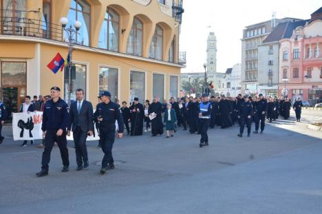 Marşul pentru viaţă, în Oradea: O mie de oameni au protestat paşnic împotriva avortului (FOTO / VIDEO)