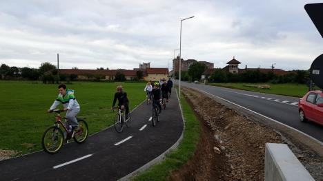 Premieră pe două roţi, în Oradea. 'Marşul tăcerii' pentru bicicliştii care şi-au pierdut viaţa pe şosele (FOTO/VIDEO)