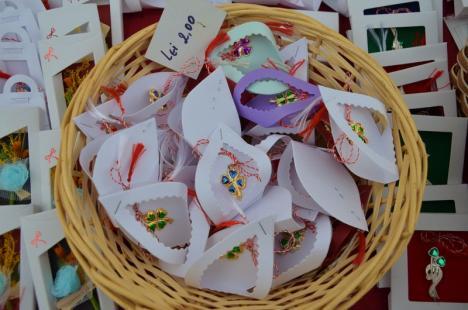 ADP Oradea scoate la licitație locuri pentru căsuțele cu mărțișoare în Piața Rogerius