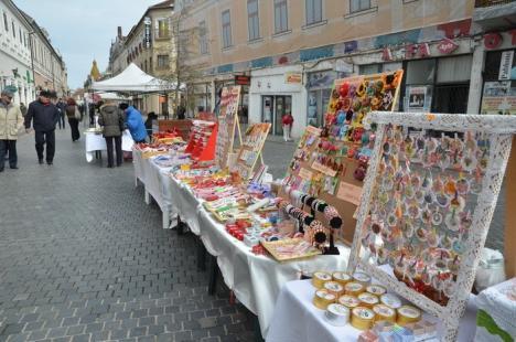 Vestitorii primăverii: Oradea s-a umplut de mărţişoare (FOTO)