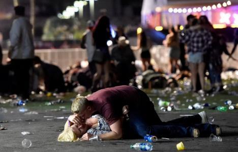 Atacatorul din Las Vegas era milionar în dolari. Între victimele sale e şi un român (FOTO)