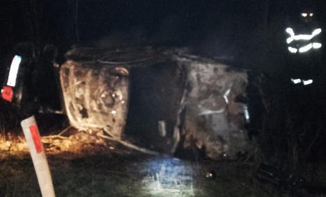 Poliţia Bihor, despre accidentul de marţi seară: Tânărul de 19 ani nu a adaptat viteza la condiţiile de drum (VIDEO)