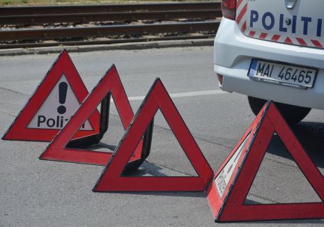 Accident în Bihor: O femeie a fost lovită grav chiar de maşina din care coborâse