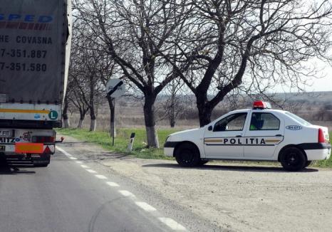 Acţiune preventivă de amploare a poliţiştilor bihoreni. Principalii vizaţi - şoferii care urcă băuţi la volan şi vitezomanii. Află unde sunt radare!