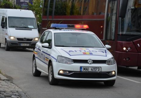 Localnic din Sîntandrei, cercetat de poliţişti, după ce a acroşat o adolescentă şi nu a declarat accidentul