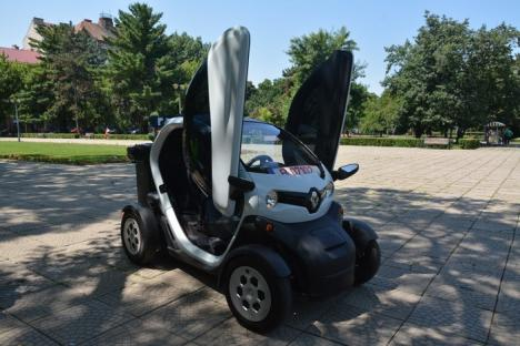 RER în priză! Operatorul de salubritate din Oradea şi-a îmbogăţit parcul auto cu o maşină electrică (FOTO)