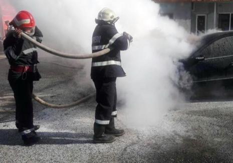 Maşină în flăcări, în Oradea