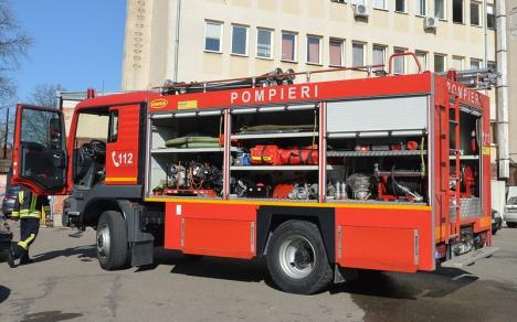 Incendiu în bucătăria unei pensiuni din Felix, provocat de o defecţiune electrică