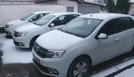 Cadou de Crăciun pentru poliţiştii din Bihor: Nouă mașini Dacia Logan