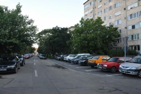 Ai parcat, te-am tunat! Atribuirea parcărilor de domiciliu a lăsat fără locuri chiriaşii din cartierele aglomerate, vizitatorii şi salvările (FOTO)