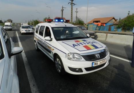 Trei hoţi din Timiş au fost prinşi la Beiuş. Ca să nu scape, poliţiştii au blocat şoseaua cu un TIR