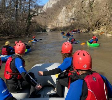 Hai la rafting! Master Adventure a dat startul noului sezon de activităţi în natură la Vadu Crișului (FOTO)