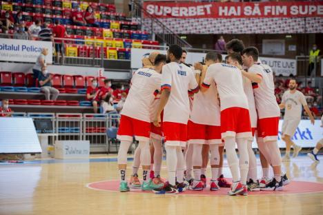 CSM Oradea a pierdut meciul de la Cluj. Elevii lui Cristian Achim, vicecampioni naţionali la baschet
