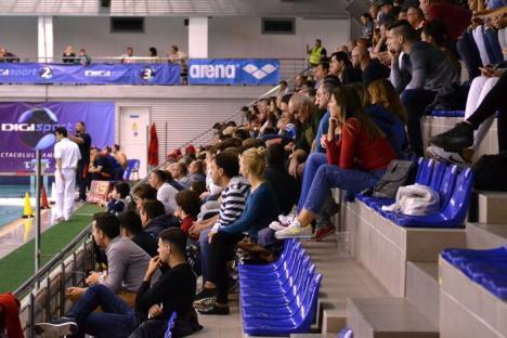 Tânăra echipă CSM Digi s-a bătut de la egal la egal cu redutabilele echipe ale turneului de la Oradea și a fost la un pas de calificare! (FOTO)