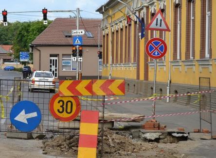 Atenţie, şoferi! Strada Menumorut se închide până miercuri seară pentru lucrări la reţeaua de apă