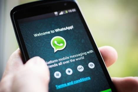 Poliţiştii nu mai au voie să folosească WhatsApp şi Facebook Messenger. Sindicaliştii spun că li se cere să 'prindă infractorii cu mapa sub braţ'