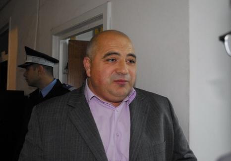 Arestat şi inculpat pentru pentru că ar fi protejat 'Mafia Cărnii',  fostul lider sindical al Finanţelor din Bihor a fost achitat