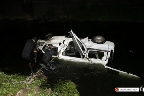 Microbuz căzut în râu: Trei morţi, printre care şi un copil, şi 6 răniţi