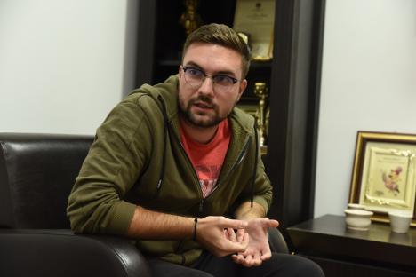 Micro-fermierul: Proaspăt absolvent de Agricultură, un tânăr din Oradea a devenit producător de 'superlegume' (FOTO)