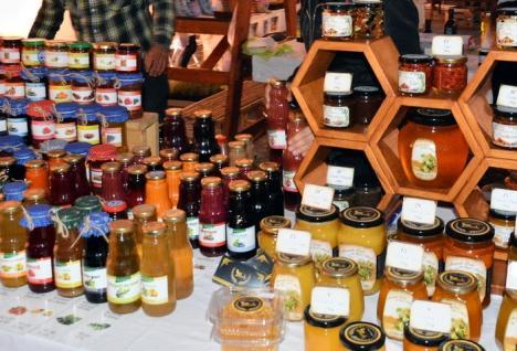 Târgul gusturilor din Valea Ierului, în Piaţa Unirii
