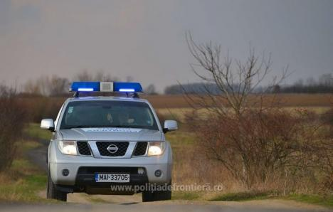 Migranţi exotici, prinşi de poliţiştii din Borş. Tot ei au oprit un moldovean care a vrut să intre în ţară cu un buletin fals de România