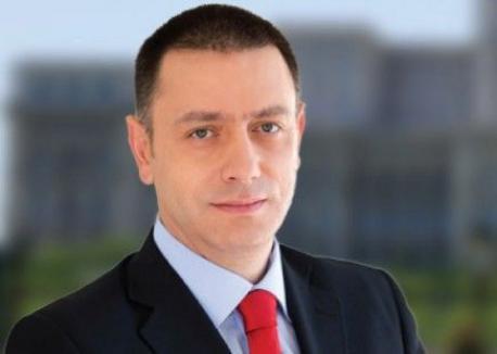 Preşedintele Klaus Iohannis l-a desemnat pe Mihai Fifor premier interimar şi a convocat consultări cu partidele