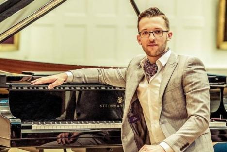 Pianistul orădean Nicolae Mihăilă, din nou pe scena Filarmonicii