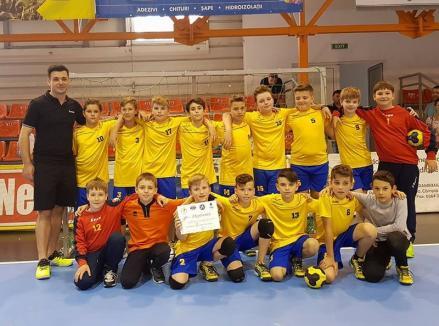 Echipa de minihandbal de la LPS Bihorul s-a calificat la turneul final al Campionatului Naţional