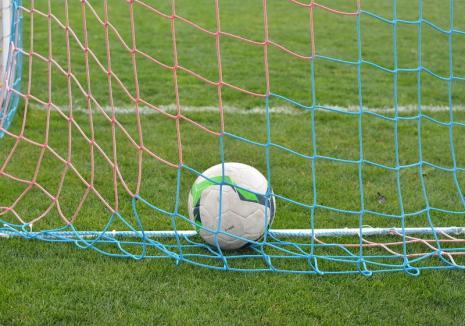 CSC Sânmartin şi Luceafărul Oradea se întâlnesc de la ora 18, în prima etapă a Ligii a III-a