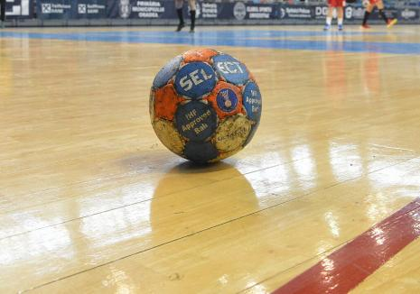Înfrângeri clare pentru cele două echipe orădene în prima etapă din campionatul Diviziei A la handbal feminin