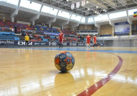 Debut cu stângul pentru handbaliştii de la CSM la turneul de la Turda