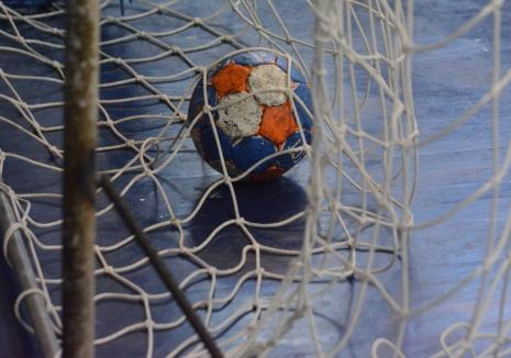 Handbal: Înfrângere la 11 goluri pentru orădencele de la CSU, la Mioveni