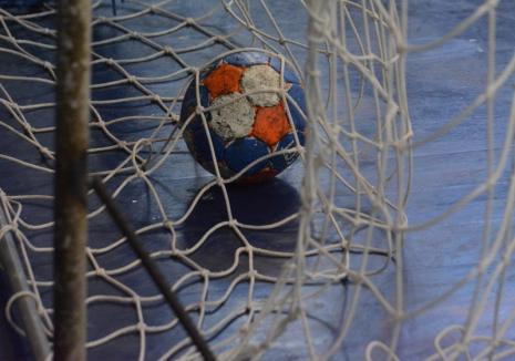 Handbal feminin: CSU Oradea a câştigat jocul de acasă cu Crişul Chişineu-Criş, cu 29-21