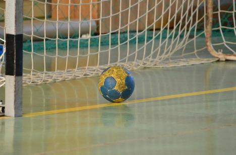Handbalistele de la CSU Oradea joacă acasă împotriva echipei din Târgu Mureș
