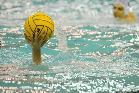 Victorii clare pentru echipele orădene de polo în etapa de debut a turneului IV din Superliga Naţională