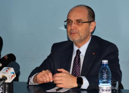 Ministrul Educaţiei, despre şantajul UDMR pe tema claselor maghiare: 'Nu există presiuni, există dialog'