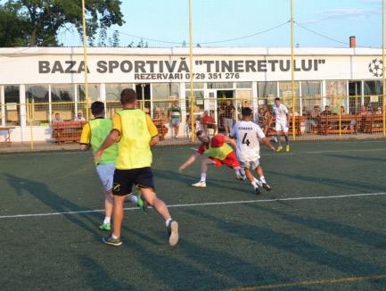 Minifotbal: Interes crescut pentru campionatul firmelor şi instituţiilor publice din Bihor