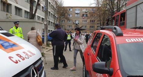 Şocant! Doi copii şi o tânără au murit după o dezinsecţie într-un bloc din Timişoara