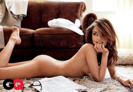 Superba Miranda Kerr, goală în GQ (FOTO)