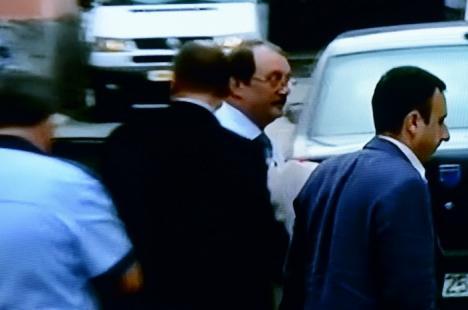 Mircea Băsescu a fost arestat!