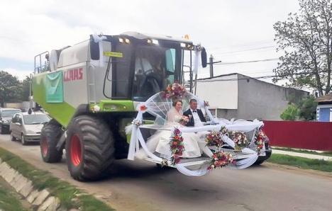 Se-ntâmplă-n România: nunta la care caleaşca a fost transformată în... combină