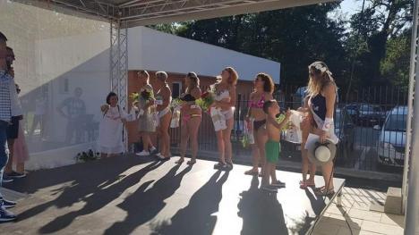 Miss la apă: Ştrandul cu valuri din Băile 1 Mai a găzduit un concurs de frumuseţe (FOTO)