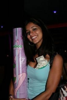 Noua Miss SUA, prinsă la bara de striptease