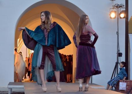 'Fashion Gate': Studenţii de la Modă-Design îşi prezintă creaţiile
