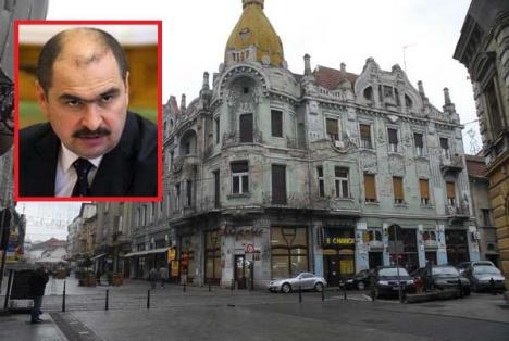 Guvernul îi dă mână liberă lui Bolojan: Primarii vor putea dispune reabilitarea faţadelor împotriva voinţei proprietarului!